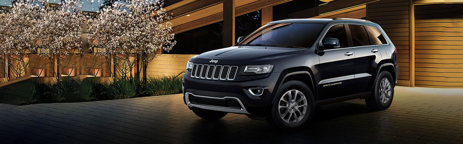 PPS Jeep - Grand Cherokee Black on Road