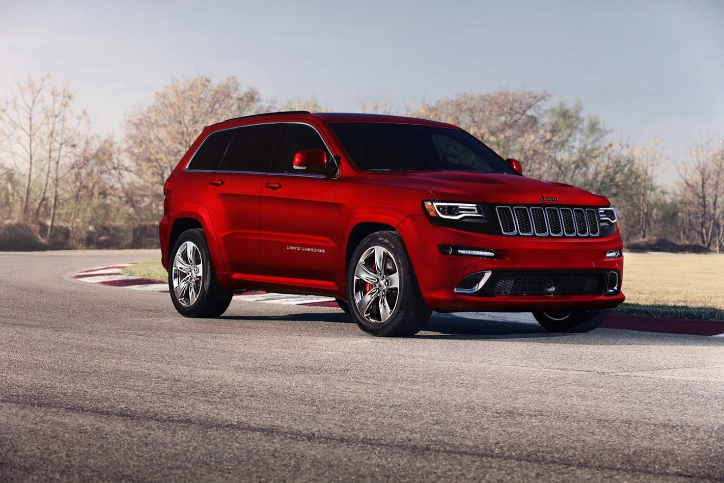 Jeep Grand Cherokee On-Road Image